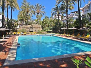 Spacious townhouse in a gated complex on the beach in San Pedro, Marbella. - San Pedro de Alcantara vacation rentals