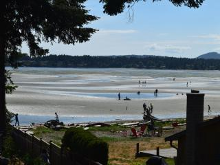 Rathtrevor Beachfront Home! Steps to beach. CANADA 150th Week July 1 - 8 Avail.! - Parksville vacation rentals