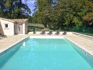 Vaste propriété avec piscine en Dordogne Perigord - Vanxains vacation rentals