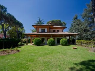 Wonderful 3 bedroom Villa in Grottaferrata with Dishwasher - Grottaferrata vacation rentals