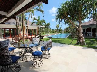 Perfect 5 bedroom Canggu Villa with Internet Access - Canggu vacation rentals