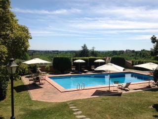 """""""Villa Branka"""" ( due appartamenti 6-8 pax) - Sacrofano vacation rentals"""
