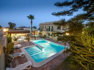 Nice Villa with Internet Access and A/C - Chipiona vacation rentals