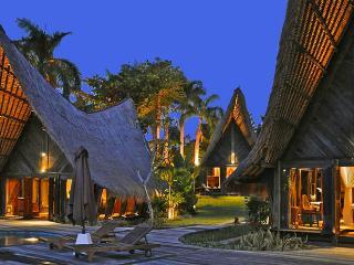 Rona, stunning 4 Bedroom luxury Villa, Near Seminyak - Kerobokan vacation rentals