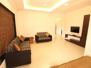 SSKF SERVICE APARTMENTS & HOMESTAY BUNGALOWS - Surat vacation rentals