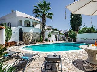 Casa Roseanne - Carvoeiro vacation rentals