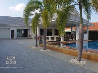 Villas for rent in Hua Hin: V6107 - Hua Hin vacation rentals
