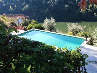 Douro Cottage - Casa de Gondomil - Alpendurada e Matos vacation rentals