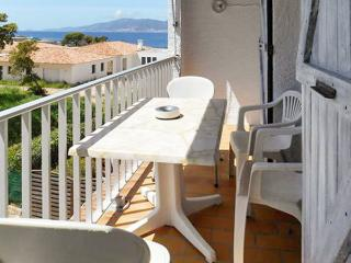Well-located flat with balcony - Grosseto Prugna vacation rentals