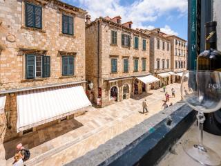 NEW STRADUN VIEW EN SUITE ROOMS & STUDIO APARTMENT - Dubrovnik vacation rentals