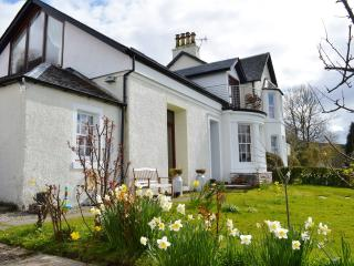 Comfortable 3 bedroom Strachur House with Television - Strachur vacation rentals