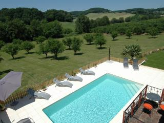 High Quality, Private Pool and 10 min from village - Castelmoron-sur-Lot vacation rentals