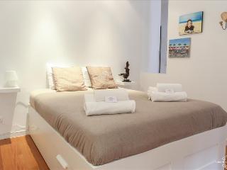 Charming 2 bedrooms´ apartment near metro - Lisboa vacation rentals