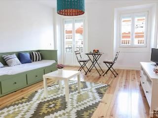 Ap8 - Spacious 2 bedrooms apartment with balcony in the heart of the authentic Lisbon - Lisboa vacation rentals