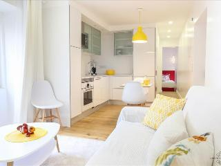 Ap9 - Modern apartment in the heart of authentic Lisbon - Lisboa vacation rentals