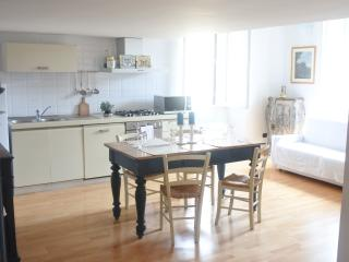 Bright 2 bedroom Condo in Rome - Rome vacation rentals