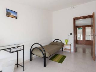 Tolasudolsa R&B-Camera Singola Verde,bagni comuni - Compiano vacation rentals