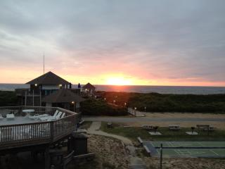 OBX Condo - Duck, NC - Barrier Island Station - Duck vacation rentals