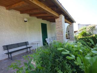 Casa Vacanze Villa Fontane Bianche a pochi passi dalla spiaggia bianca accanto - Fontane Bianche vacation rentals