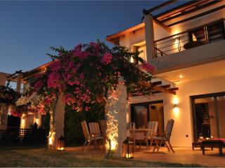 Bright 5 bedroom Villa in Rio with Dishwasher - Rio vacation rentals
