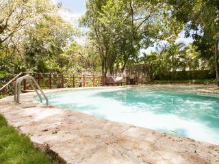 2 BR Luxury Condo close to Beach and Town - Playa del Carmen vacation rentals