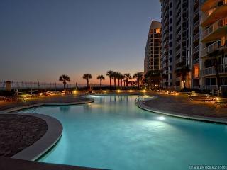 Luxury 4BR Gulf Front Silver Beach Condo-Best Prices for 10/15 & 10/22 Weeks! - Destin vacation rentals