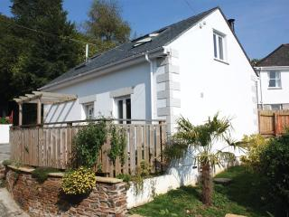 Seashells,1 bed, pool, WiFi, near beach/river/pub - Helford vacation rentals
