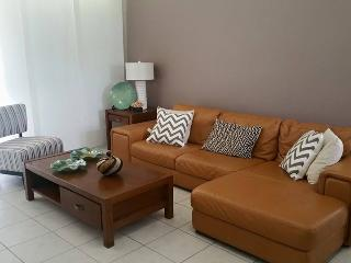 Nice 2 bedroom Guayama Apartment with Parking Space - Guayama vacation rentals