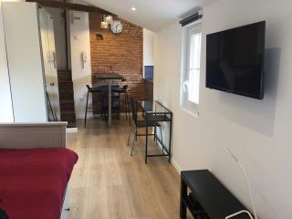 STUDIO 2 personnes Carmes / Palais de justice - Toulouse vacation rentals