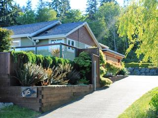 Union Bay 3 bedroom Ocean View Home w/Hot tub - Union Bay vacation rentals