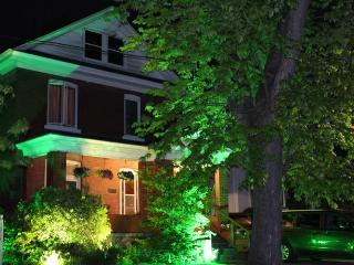 Li-Li Bed & Breakfast - Niagara Falls vacation rentals