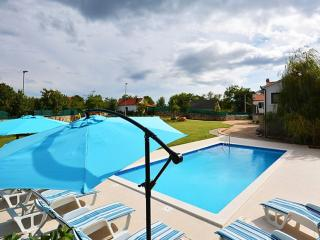 Elegant and Delightful Private Pool Property for 6 - Trilj vacation rentals