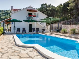 Vacation rentals in Solta Island