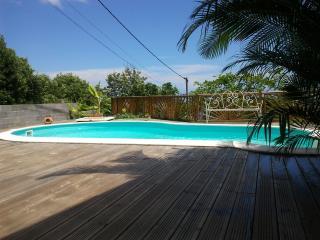 Logement indépendant avec piscine - La Possession vacation rentals
