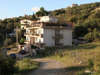 Wonderful 8 bedroom Patras Villa with Internet Access - Patras vacation rentals