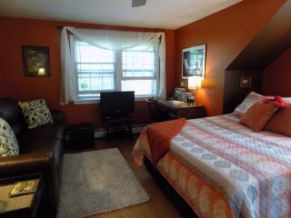 Beautiful, spacious studio 1 mile from the beach - Kennebunk vacation rentals