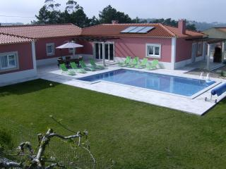 Luxury Villa w/FREE WI-FI and PRIVATE POOL - Salir de Matos vacation rentals