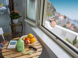 Wonderful 2 bedroom Condo in Furore - Furore vacation rentals