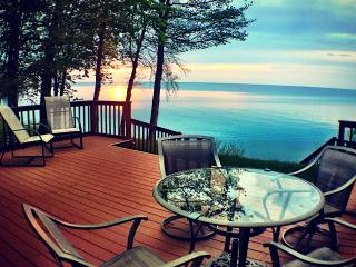 Peaceful Sunset Cottage on Lakefront - Sodus vacation rentals