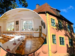 idyllische Wasserburg Nähe Ostsee, Berlin/Hamburg - Grimmen vacation rentals