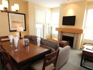 1 Bedroom Condo + Den: Mountain View | Walnut Beach Resort, Osoyoos - Osoyoos vacation rentals