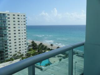 1 bedroom Apartment with Internet Access in Hallandale - Hallandale vacation rentals