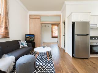 Art Deco Gem Surry Hills DH538 - Sydney vacation rentals