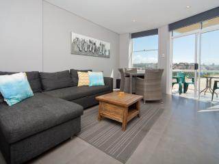 Gorgeous Coogee Views 2 beds WT21 - Sydney vacation rentals