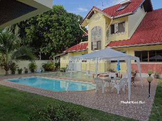Five-bedroom Villa with manicured gardens and large communal pool - Nai Harn vacation rentals