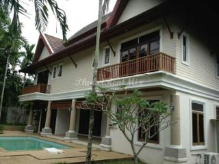 Beautiful 3 bedroom Villa with private pool in the gated community of Grand Villas - Bang Tao vacation rentals