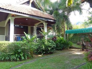 Beautiful two-bedroom house near the beach of Bangtao and Surin - Bang Tao vacation rentals