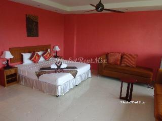 Cosy hotel Baan Chayna. Deluxe Room - Bang Tao vacation rentals
