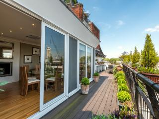 Ovington Gardens Apartment - London vacation rentals