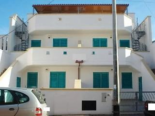 Two-room-for-rent-holiday-in-a-tower-Mozza-with-sea-view-second-floor-CVR533 - Ugento vacation rentals